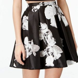 Sequin Hearts Floral Pleated Flared Skirt 5 NWT